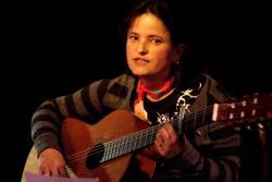 Vivi-Anne chante et joue1